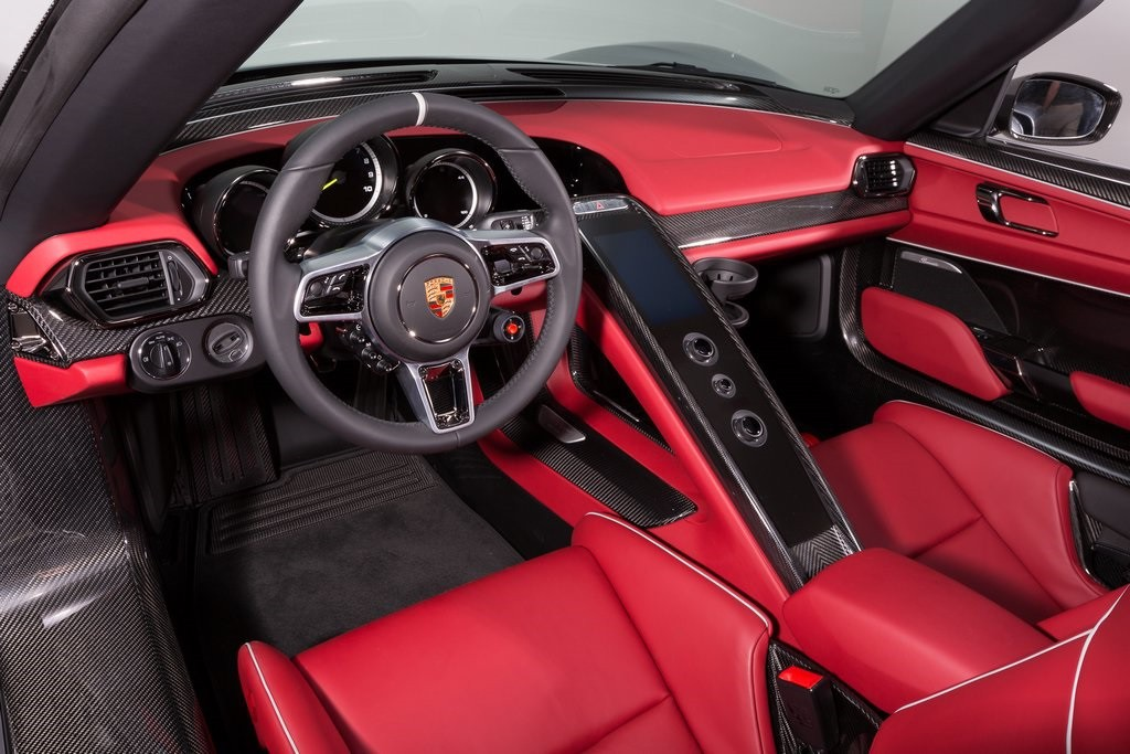 porsche 918 spyder weissach package interior