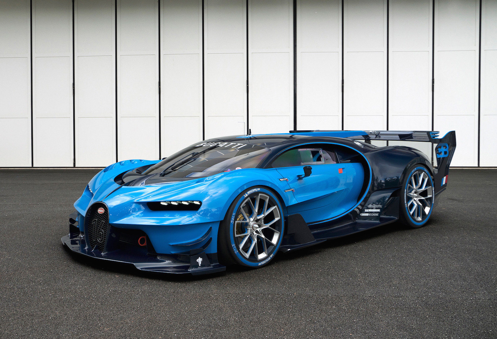 The Bugatti Chiron Will Cost 2 5 Million Exotic Car List