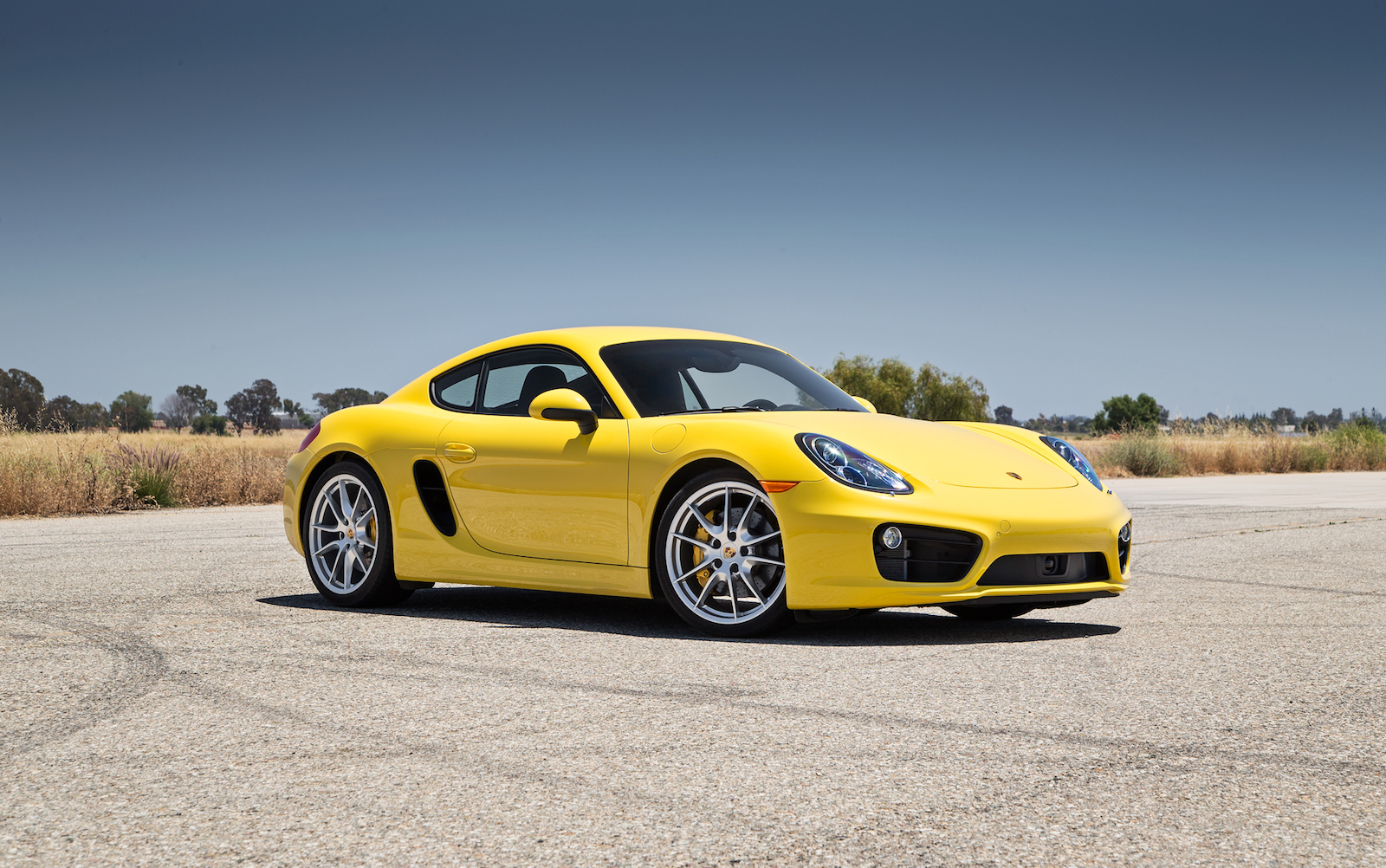 Tips On Selling Your Used Porsche Cayman Online