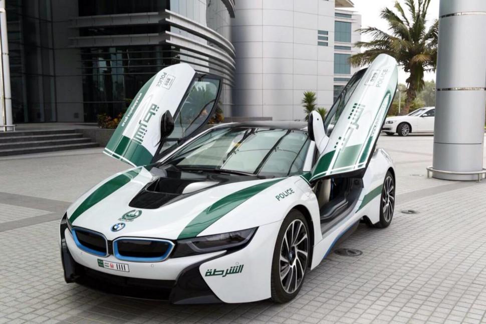 BMW i8 – Dubai Police