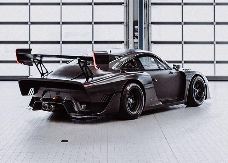 Carbon Fiber Porsche 935