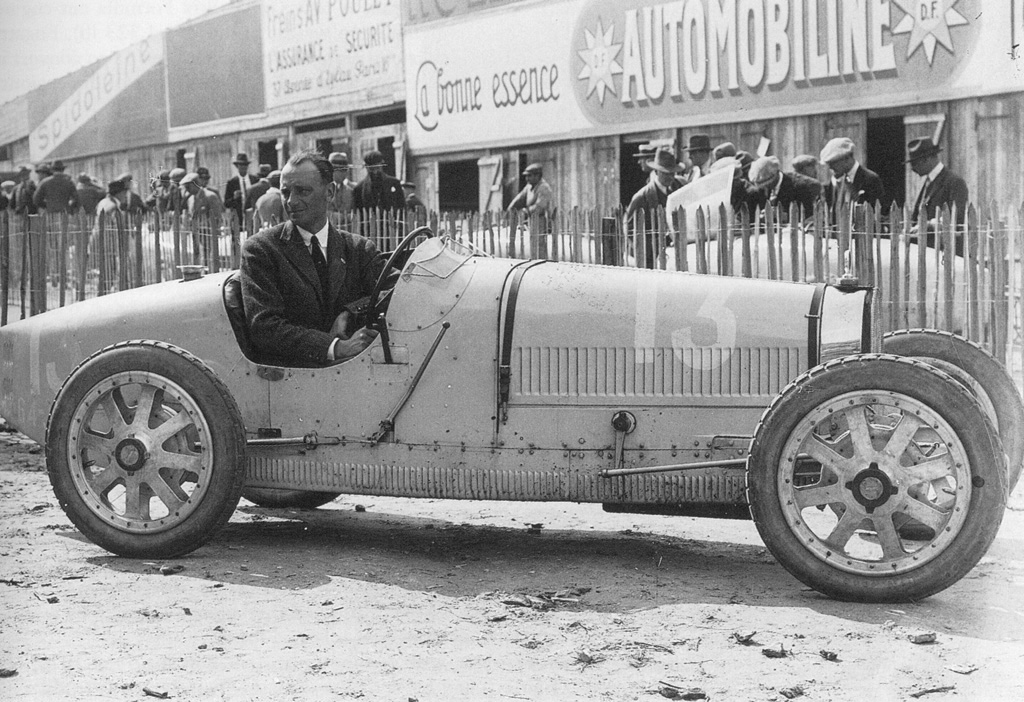 Bugatti Type 35 Race Car