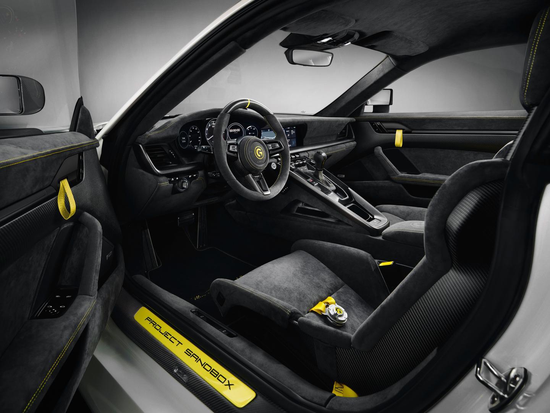 Marsien Porsche 911 Turbo S Interior